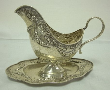 4127: HAND MADE CONTINENTAL SILVER SAUCE BOAT W/BOLTED
