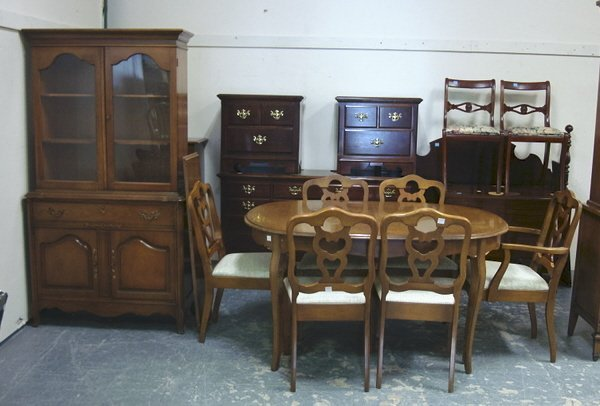 1136: BASSETT 7 PC FRENCH PROVINCIAL DINING ROOM; TABLE