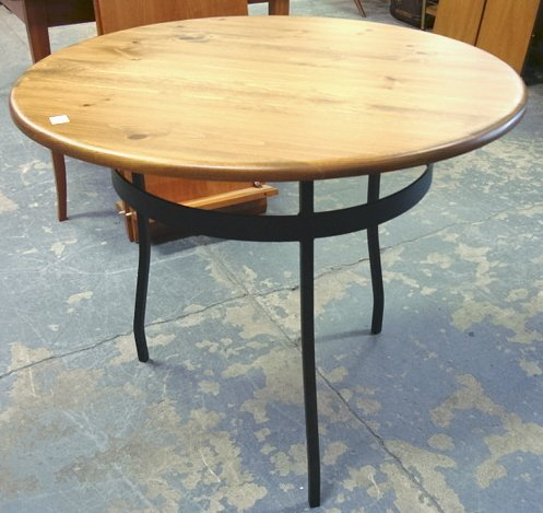 1142: ROUND TABLE W/IRON BASE; 36 IN DIA, 29 IN H