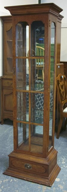 1143: AMERICAN CHICAGO SMALL DISPLAY CABINET W/MIRROR B