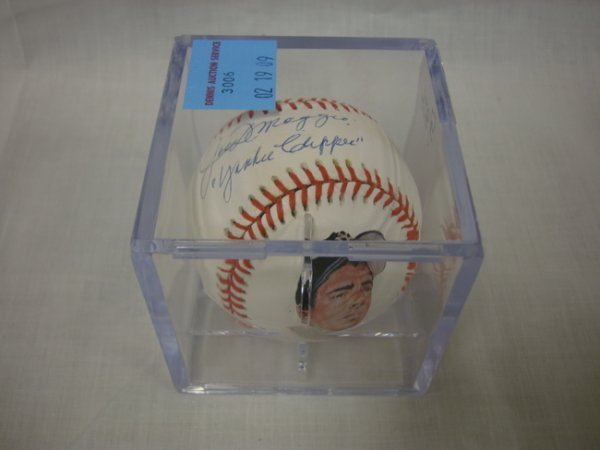 3006: SIGNED BASEBALL, PHOTO BALL; *JOE DIMAGGIO YANKEE