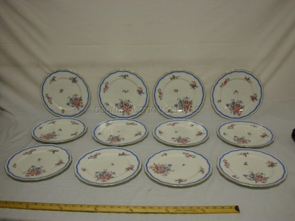1009: SET OF 12 ENGLISH SERVICE PLATES FOR COLAMORE, 5T