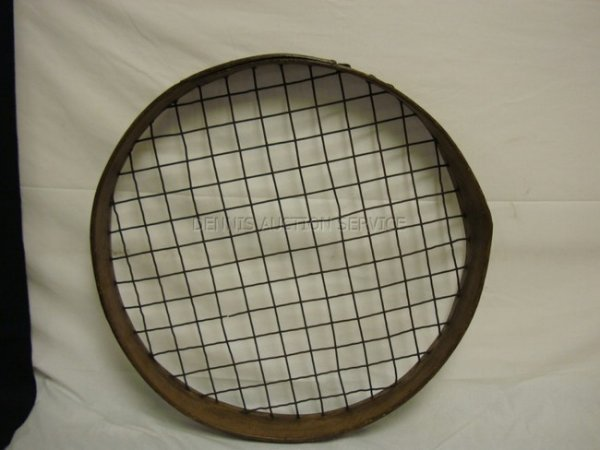 1021: LARGE WOOD & WIRE SIFTER; HAS METAL PLAQUE *1 5/8