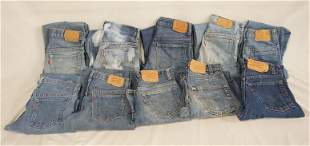 LOT OF 10 PAIRS OF VINTAGE USA MADE LEVI'S JEANS W/ RED