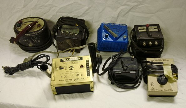 11: LIONEL TYPE 1041 TRANSFORMER , TYPE W, TYPE 1014, A