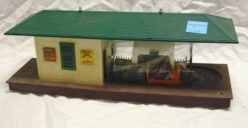 16: LIONEL #356 AUTOMATIC FREIGHT STATION