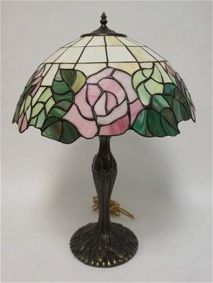 CONTEMPORARY LEADED GLASS TABLE LAMP