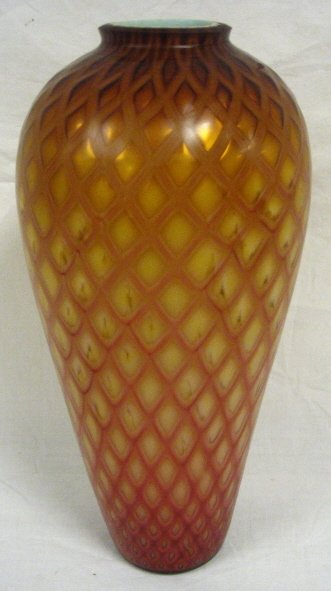 15: DIAMOND QUILTED MOP VASE. SHADING AMBER TO CRANBERY
