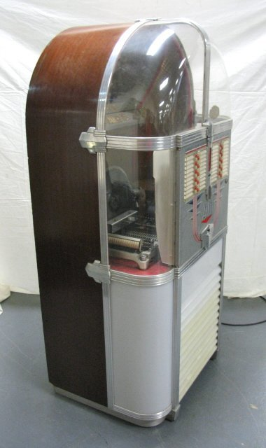 AMI JUKEBOX, MODEL 500 - 3