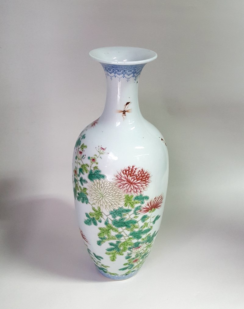 Antique Chinese Porcelain Famille Rose Vase Yongzheng M