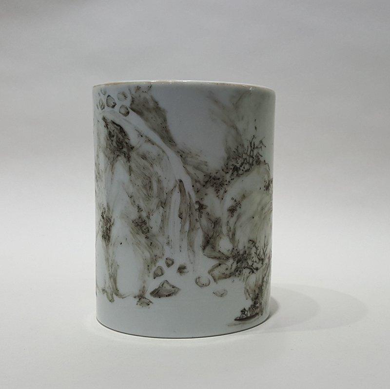 Chinese porcelain Black Color Brush Pot