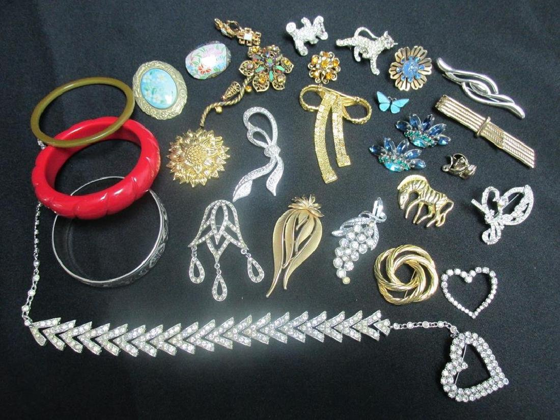 LOT OF VINTAGE JEWELRY, COSTUME