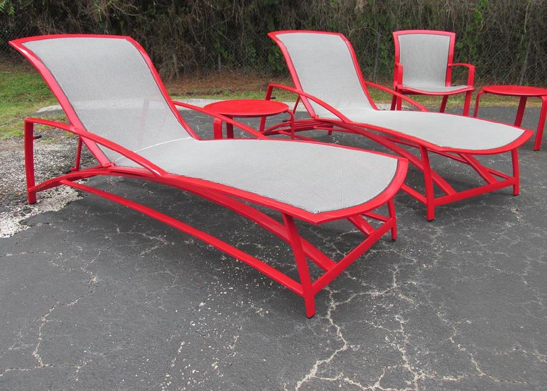 """2 BROWN JORDAN """"WAVE"""" ADJUSTIBLE CHAISE & TABLE"""