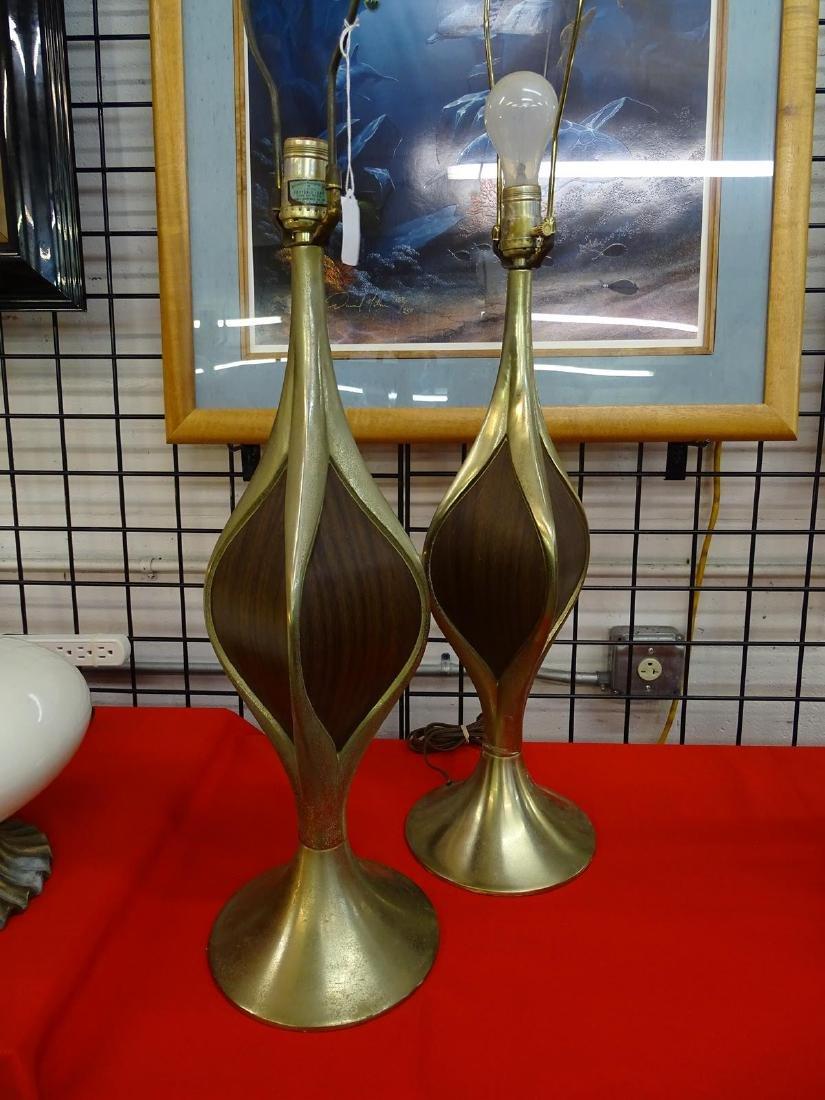 LAUREL BRASS/WALNUT TABLE LAMPS