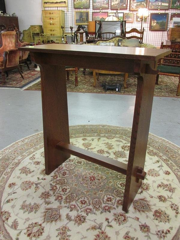 STICKLEY MISSION-STYLE FOYER TABLE