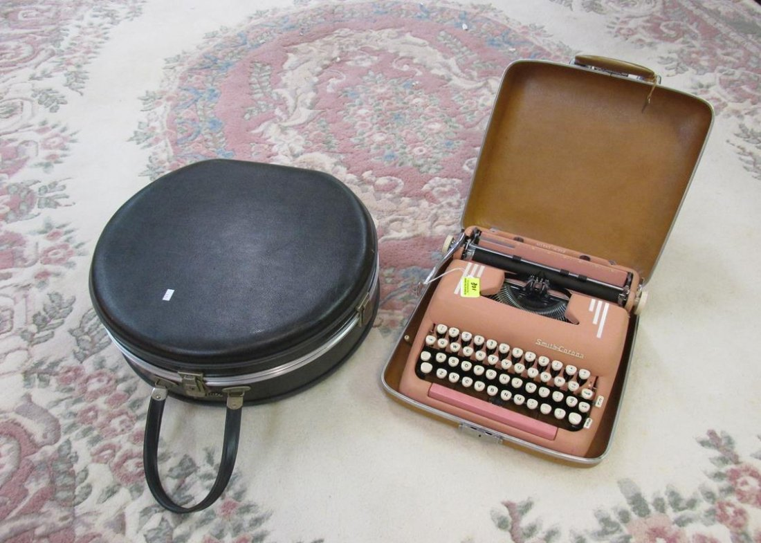 PINK SMITH CORONA TYPEWRITER, JET FLITE TRAVEL CASE