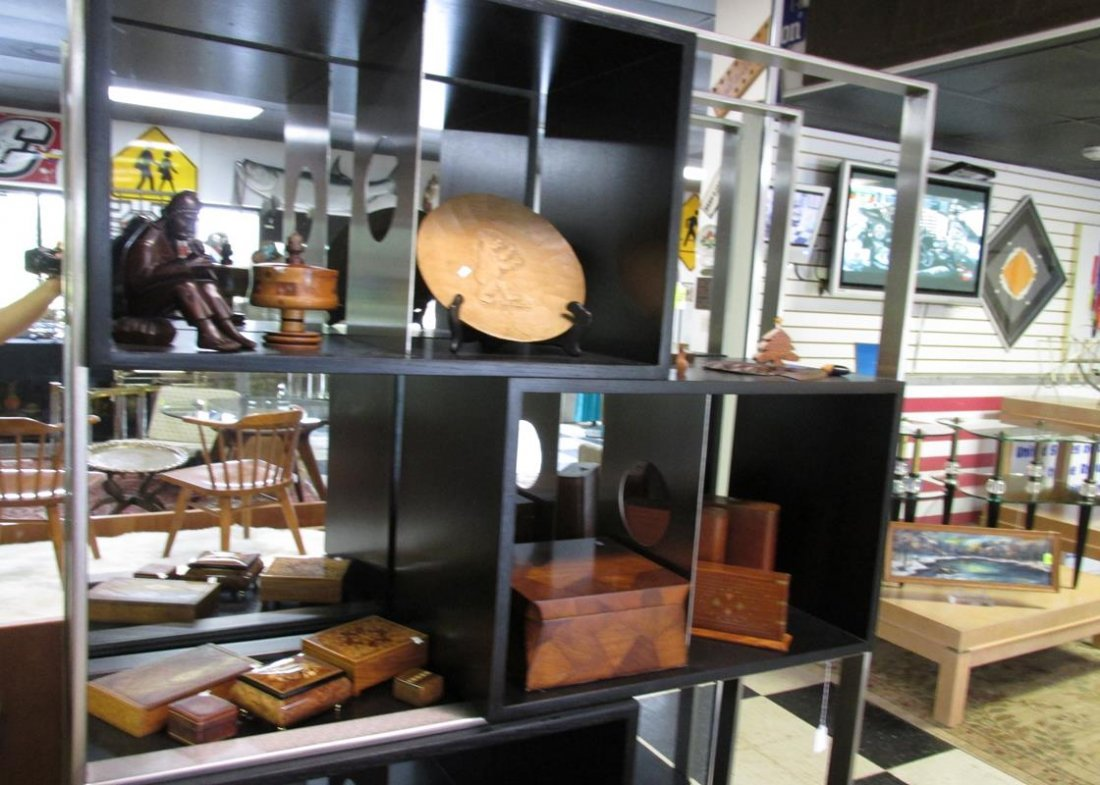 GROUPING OF WOODEN WARE, ACCENTS, BOXES