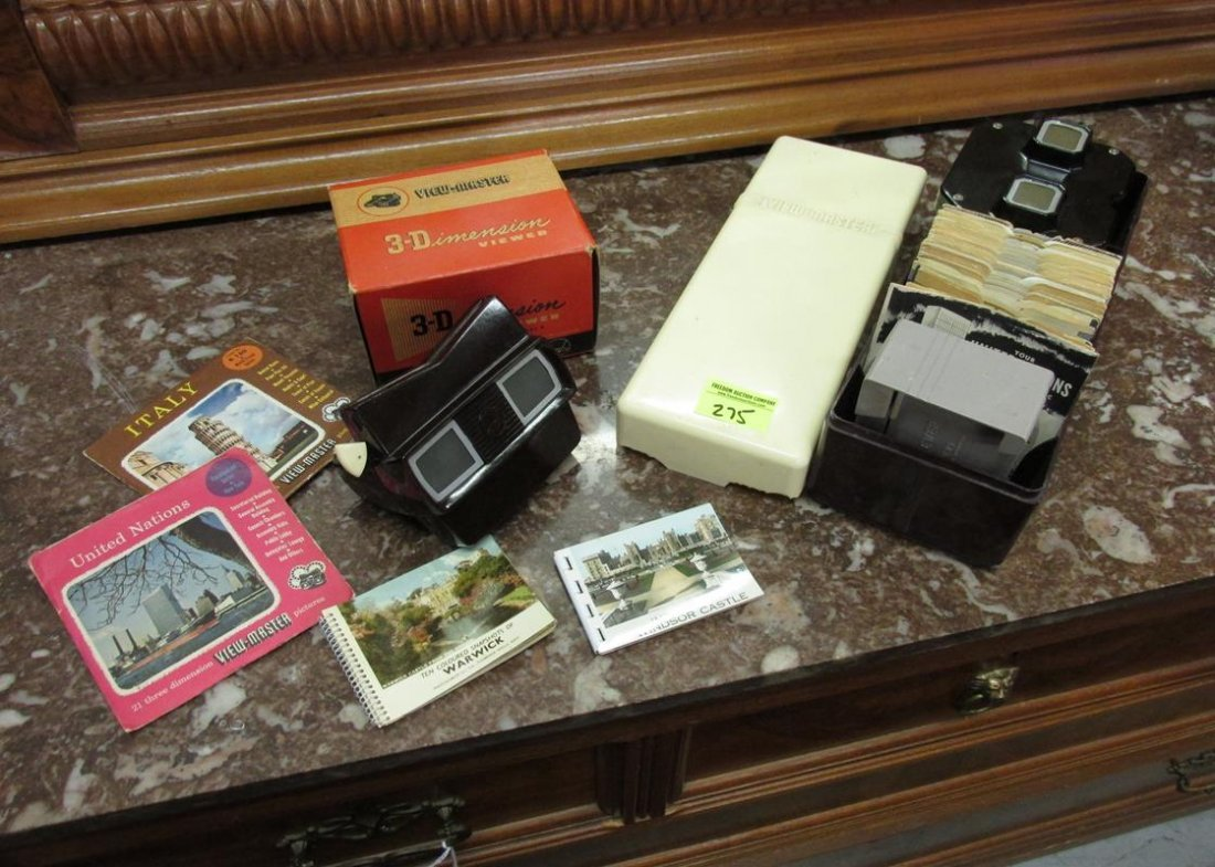 GROUPING OF VINTAGE VIEW-MASTERS
