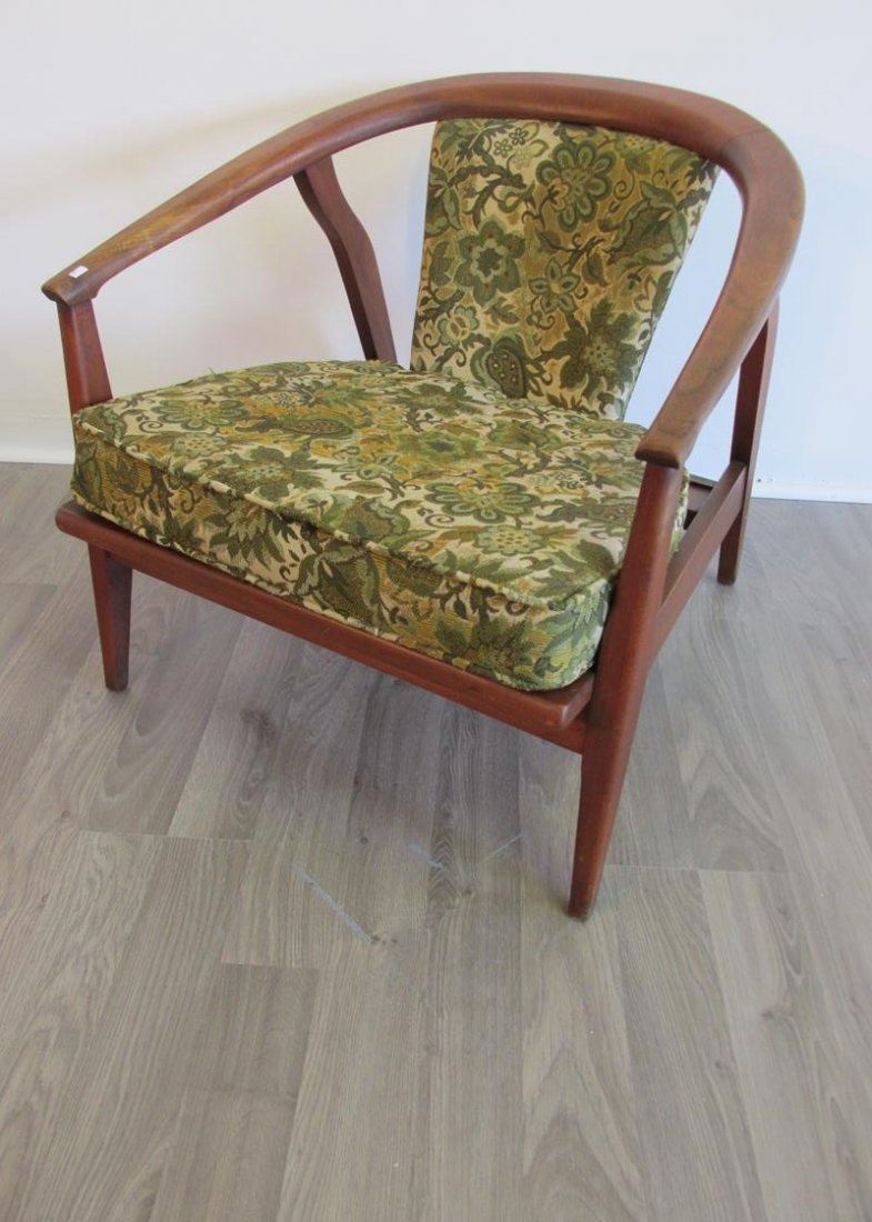 MID-CENTURY LOUNGE CHAIR BY HOME CHAIR CO.