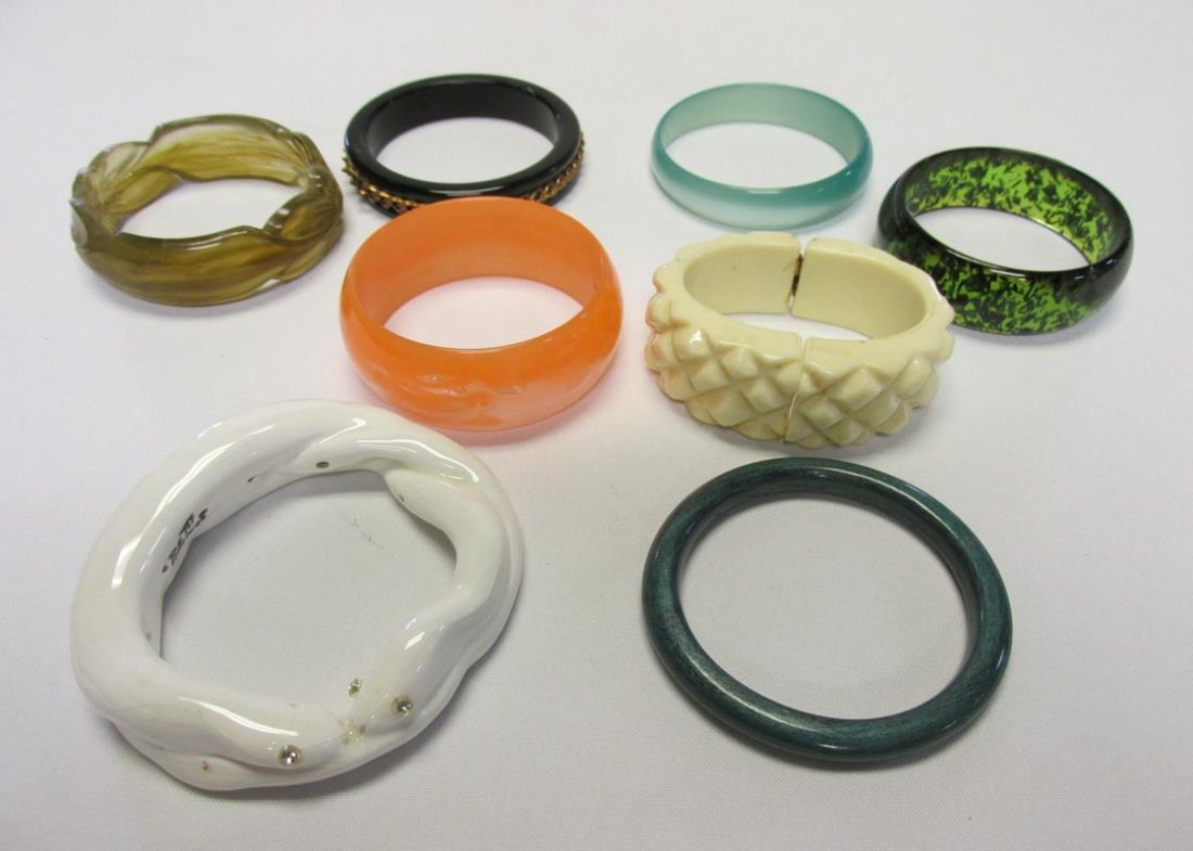 COLLECTION OF LUCITE AND CELLULOID BRACELETS