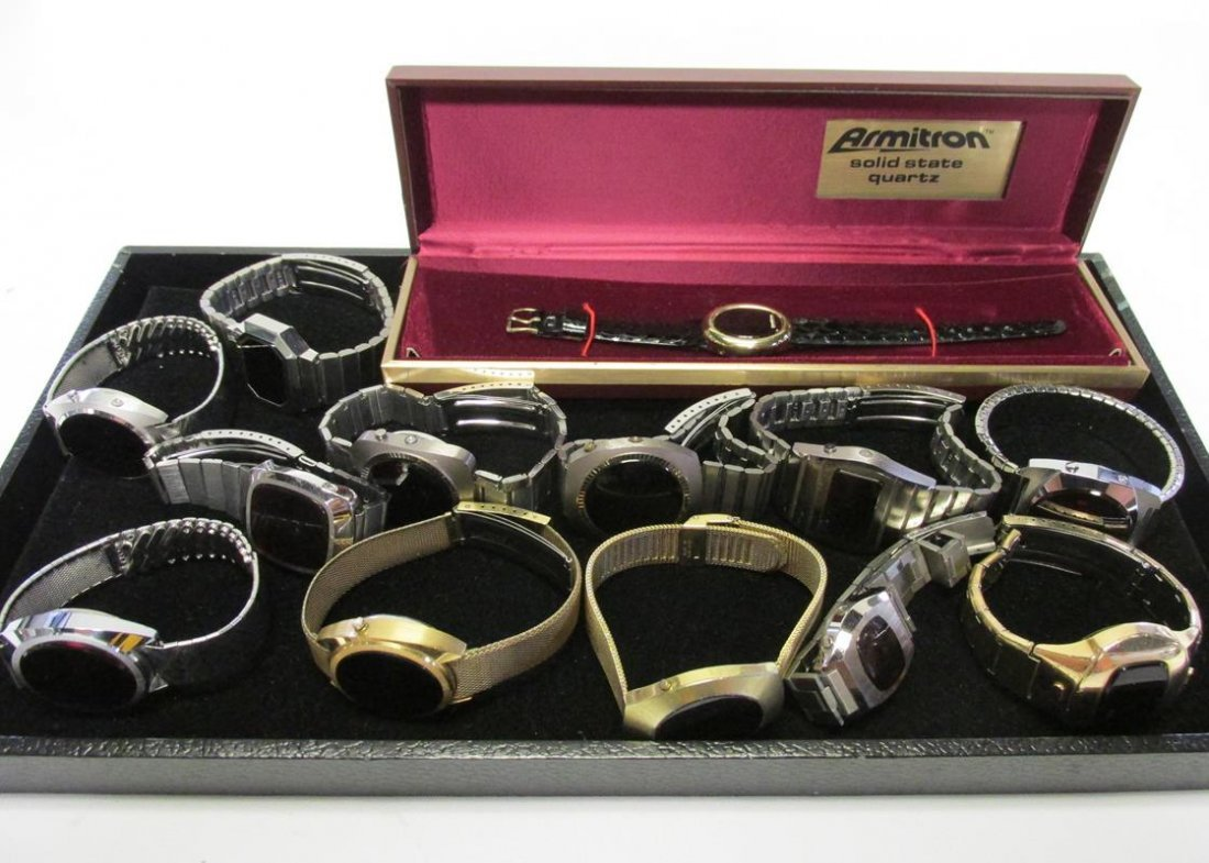 COLLECTION OF VINTAGE MEN'S WRIST WATCHES