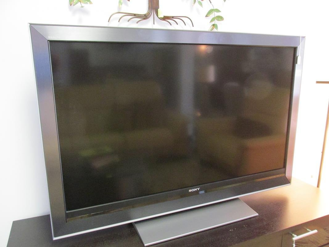 SONY FLAT SCREEN TELEVISION, 52""