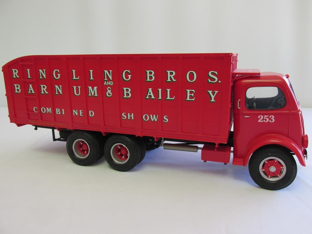 "ROBERT MACDOUGALL RB&BB 1/2"" SCALE #253 TRANSPORT MODEL"