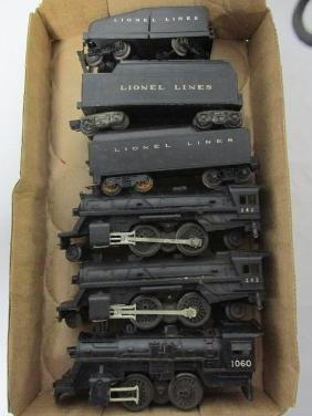 GROUPING OF LIONEL LOCOMOTIVES & TENDERS