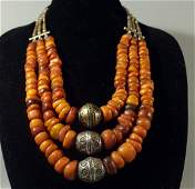 A Chinese Antique Amber Bead Necklace