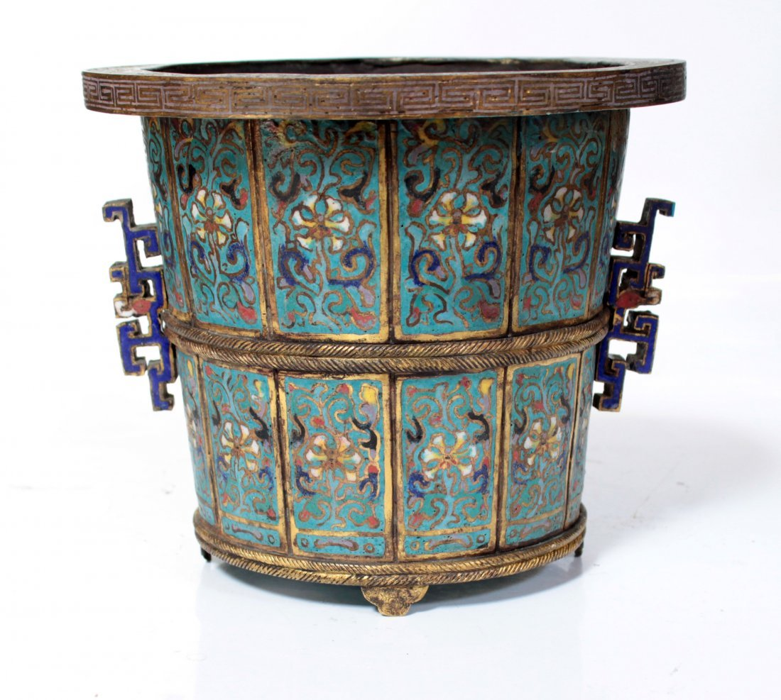 A Chinese Antique Cloisonne Enamel Bucket Qing Dynasty