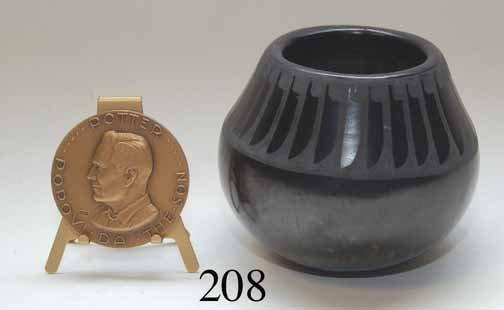 208: SAN ILDEFONSO JAR AND MEDAL