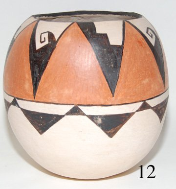 12: PAPAGO POTTERY JAR
