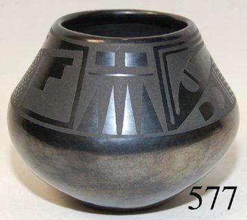 577: SAN ILDEFONSO POTTERY JAR