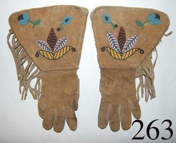 263: NEZ PERCE GAUNTLETS