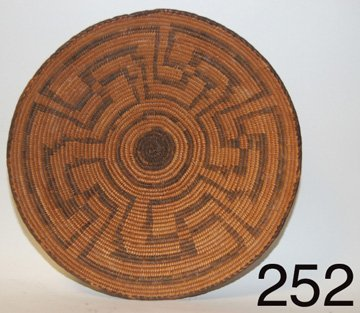 252: BASKETRY TRAY