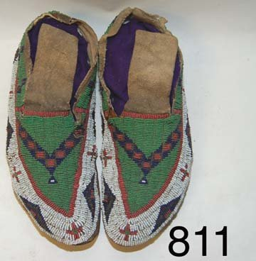 811:  SIOUX  MOCCASINS