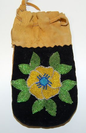 13: OJIBWAY BEADED POUCH