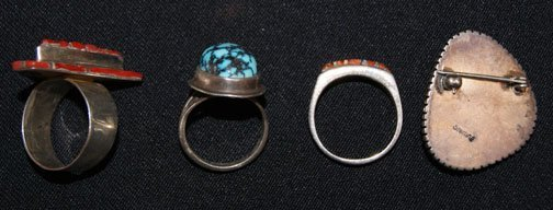 9: THREE SILVER NAVAJO RINGS & PIN - 6