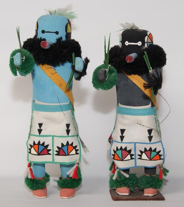 253: Two Zuni Dolls