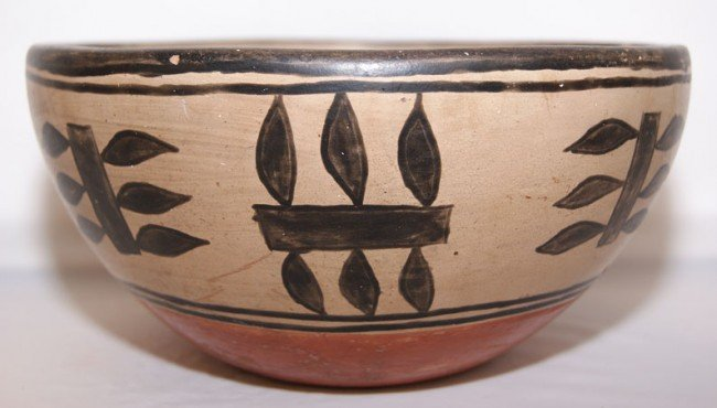 263: SANTO DOMINGO POTTERY CHILI BOWL