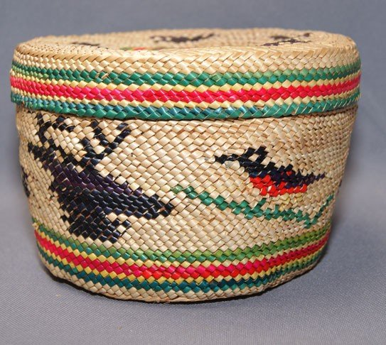 18: MACAW LIDDED BASKET