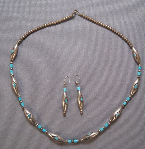 19: NAVAJO NECKLACE AND EARRINGS