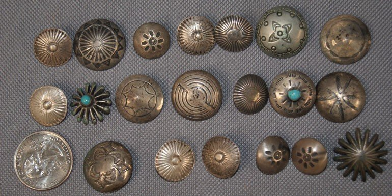 16: COLLECTION OF NAVAJO BUTTONS