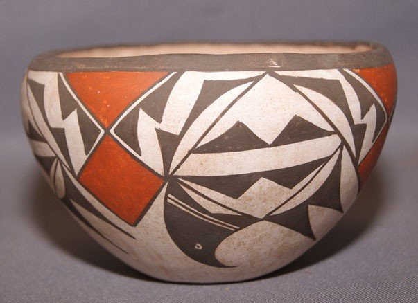 19: Laguna pottery bowl
