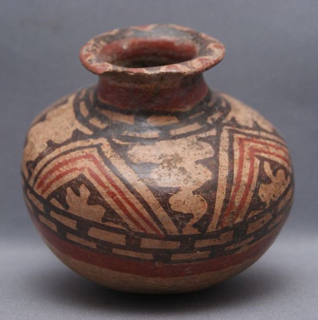 PRE-COLUMBIAN POTTERY JAR