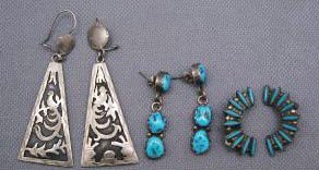 14: COLLECTION OF EARRINGS
