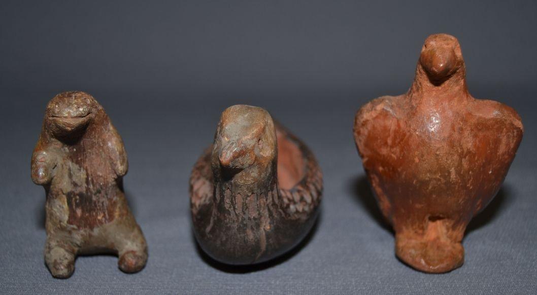 THREE NAVAJO/TAOS POTTERY FIGURES