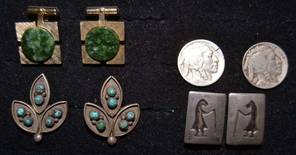 COLLECTION OF 4 SETS OF CUFFLINKS