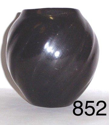 852: SANTA CLARA POTTERY JAR
