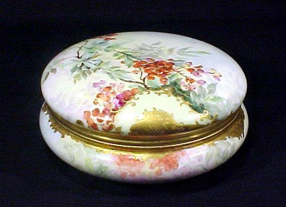 2015: Antique Porcelain Limoges Box Gold Enamel